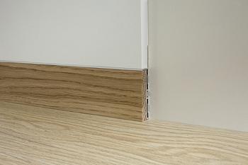 Σοβατεπί αλουμινίου με επένδυση ξύλου PRF 78338